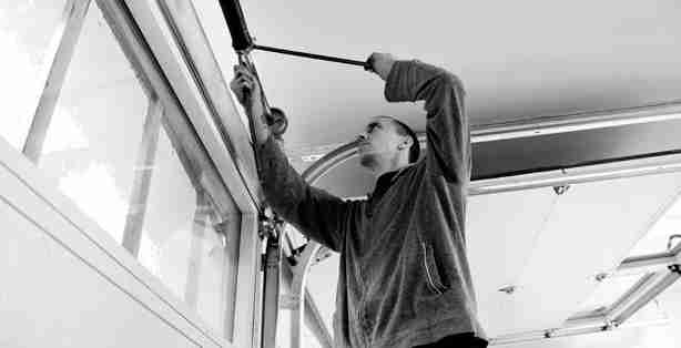 professional garage door repair company